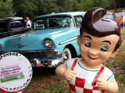 Vintage car & Bob
